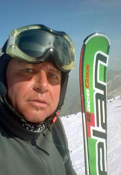 Miro Moško pri testovaní lyží Elan GFX