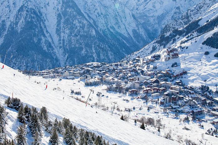 Francúzske lyžiarske stredisko Les Deux Alpes
