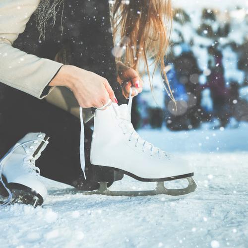Korčuľovaním posilníte kolená a zabudnuté svaly. Foto: Shutterstock