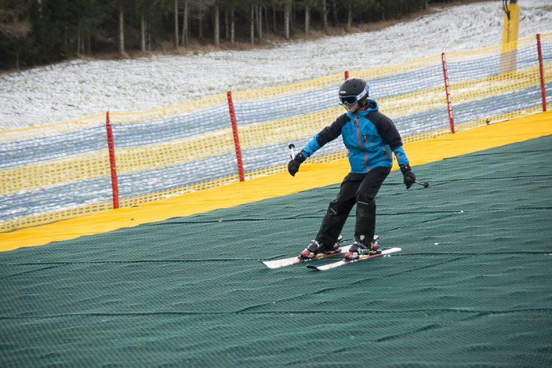 Celoročne je možnosť využiť lyžiarsky svah pokrytý umelohmotným kobercom. Foto: (c) NÖVOG/Kolonovits