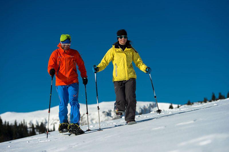 Okrem snežníc si môžete vyskúšať aj kompletne odpružený skibike či ruksakové boby. Foto: ©Wiener Alpen, Claudia Ziegler