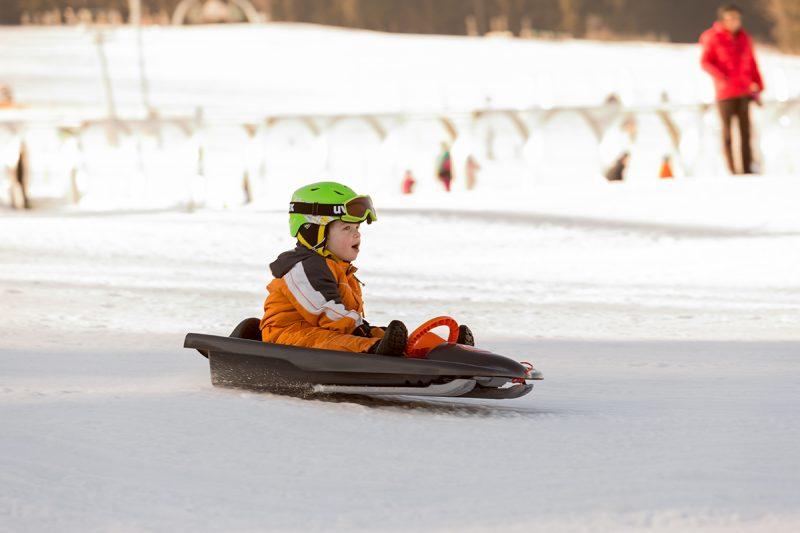 Lyžiarske svahy v Dolnom Rakúsku sú ideálne pre rodiny s deťmi.