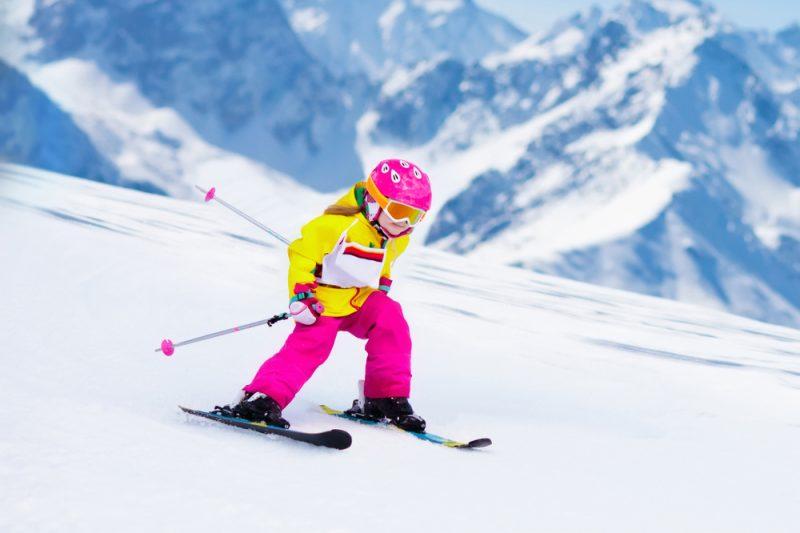 Ak chodidlo v topánkenedrží, tak sa lyža nedádobre ovládať a tiež hroziaotlaky spôsobené šmýkanímsa nožičky v topánke. Foto: Shutterstock