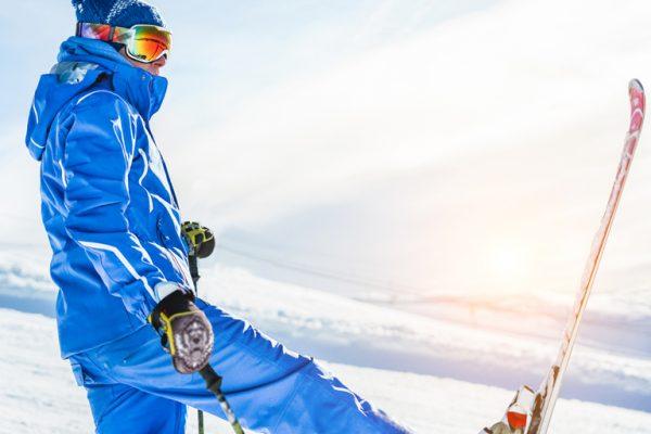 4aca4fb82 Oplatí sa lyžiarsky výstroj kúpiť alebo požičiavať?