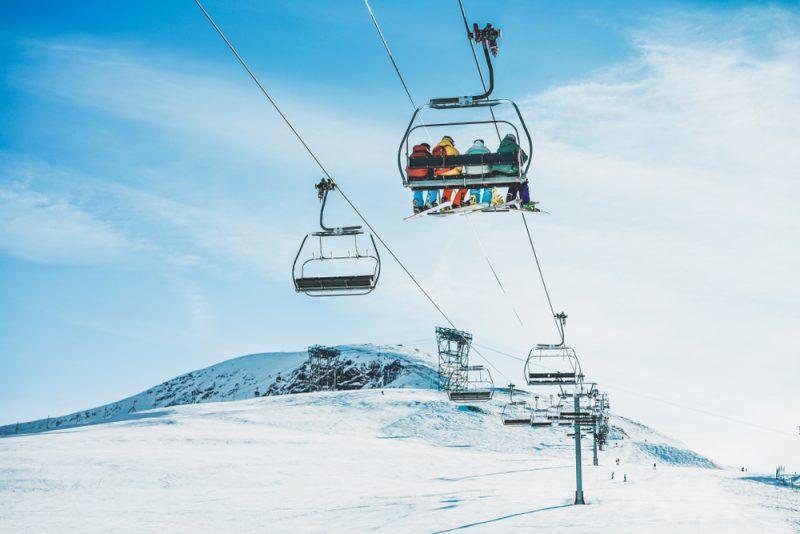 Najdôležitejšou súčasťou výstroja sú lyžiarky, aby ste vždy maliobuté také, ktoré vám budú dobre sedieť. Foto: Shutterstock