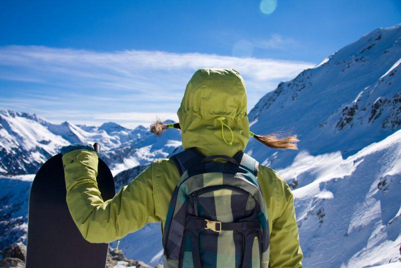 Neizolovaná shellová lyžiarskabunda môže byť užitočnou poslednou vrstvou. Foto: Shutterstock