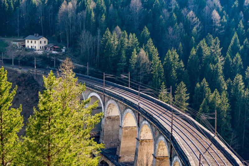 Do Semmeringu sa dá dostať aj vlakom. Foto: Shutterstock