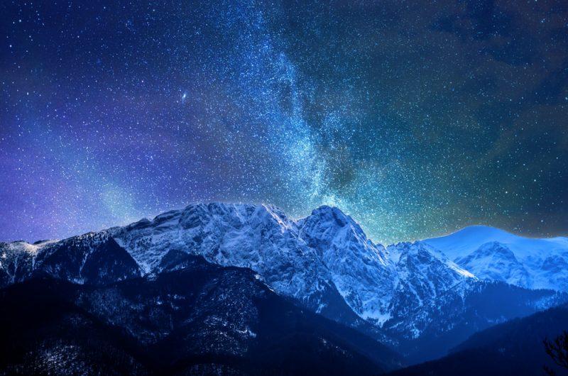 Takú krásnu oblohu a tichozažijete iba v horách. Foto: Shutterstock