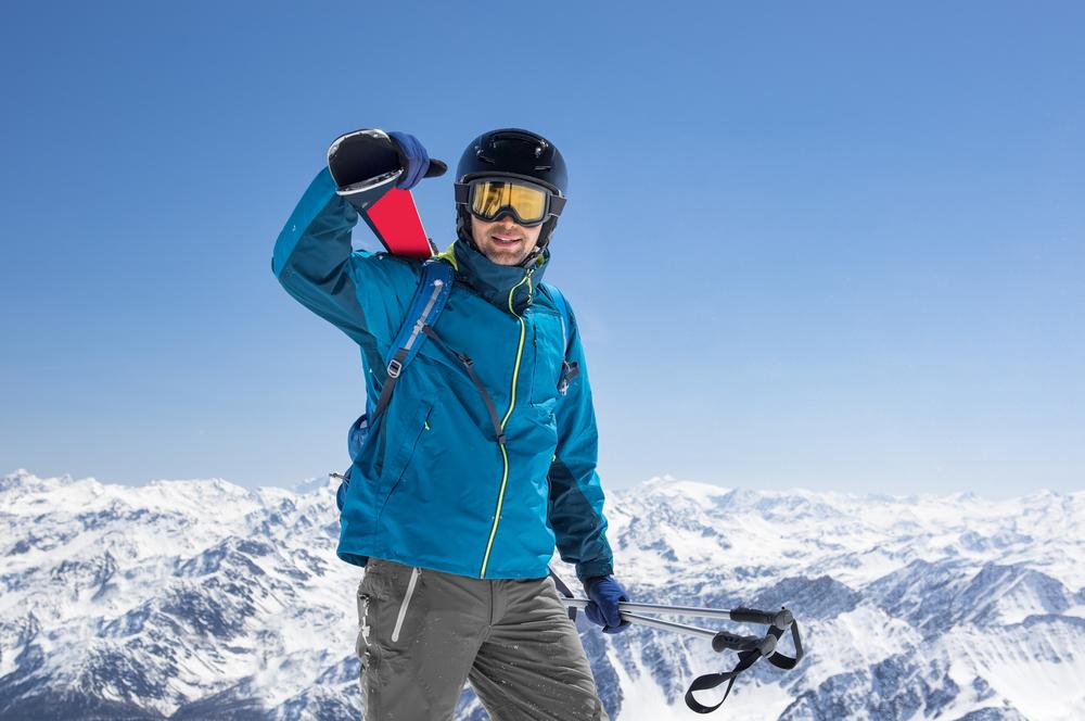 Preprava lyží. Foto: Shutterstock
