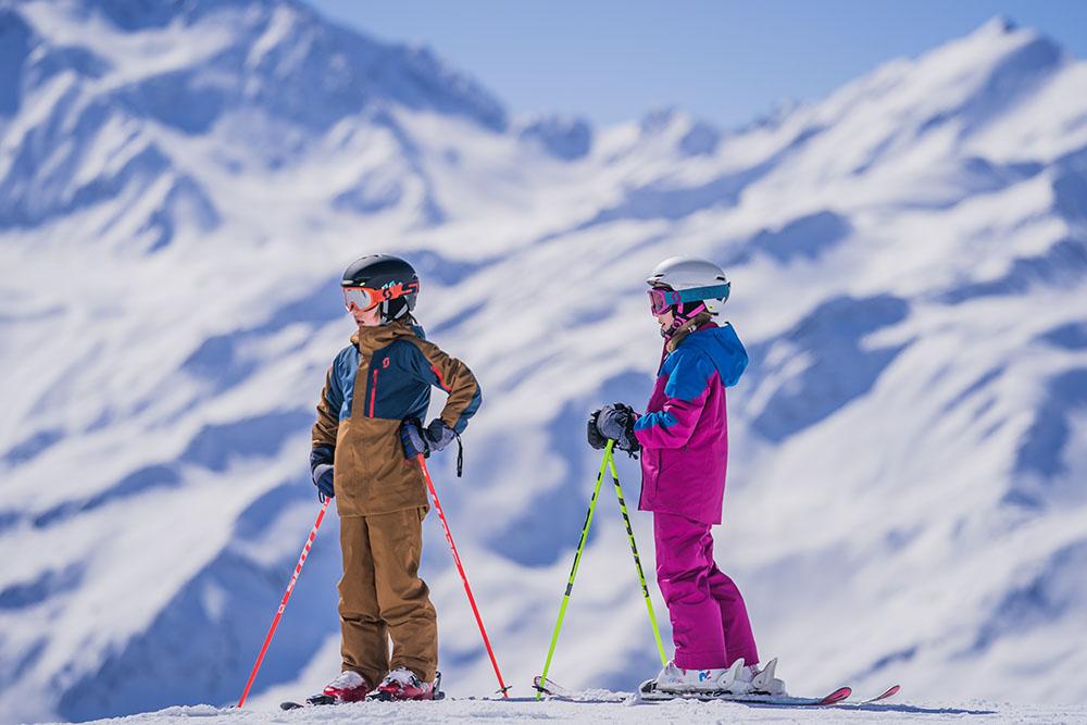 Ani vy by ste sa necítili pohodlne v lyžiarkach o dve čísla väčších, tak prečo to očakávate od detí? Foto: SCOTT SPORTS