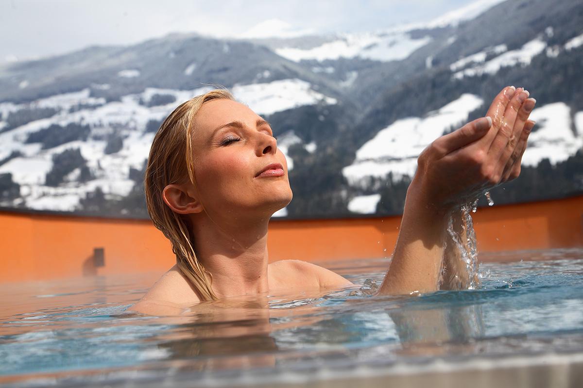 Relaxujte zážitkových kúpeľoch Zillertal, v prvom dovolenkovom regióne. Foto: Eberharter