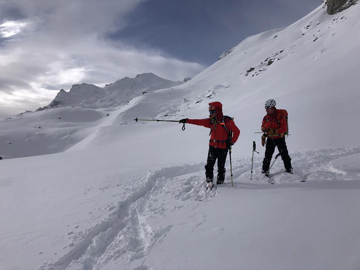 Lavínové kurzy vám pomôžu vyhnúť sa lavíne a naučia vás čo robiť, ak lavína naozaj padne.