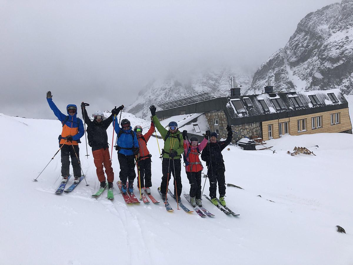 Najobľúbenejšie sú skialpinistické a lavínové kurzy.